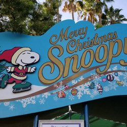 Snoopy Merry Christmas Images.Merry Christmas Snoopy On Ice New 66 Photos Performing Arts