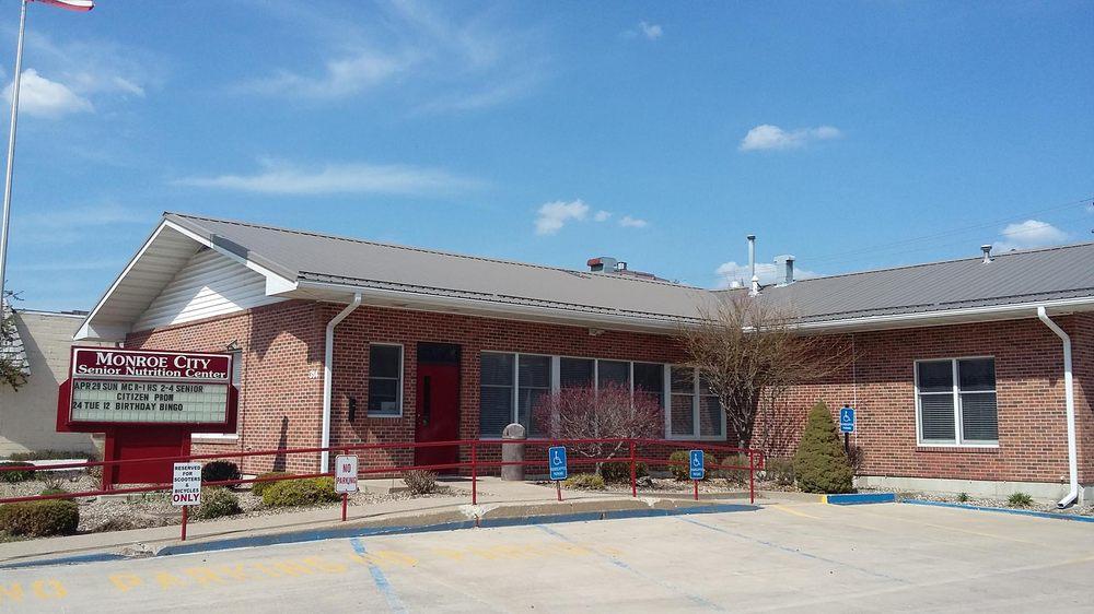Monroe City Senior Nutrition Center: 314 S Main St, Monroe City, MO