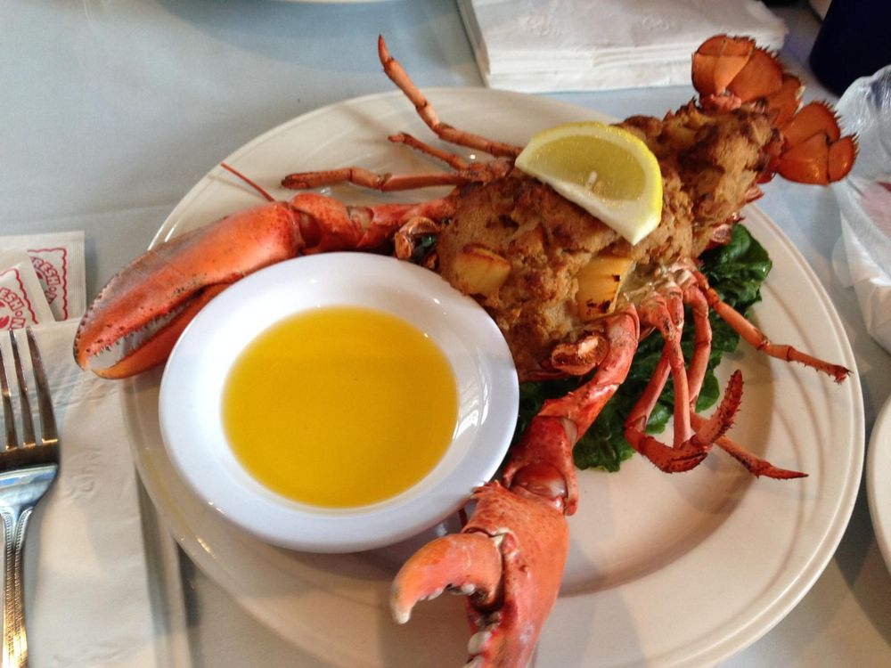 Lepage's Seafood & Grille: 439 Martine St, Fall River, MA