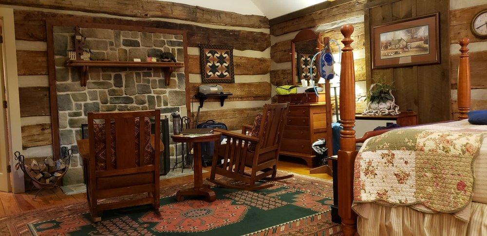 Fort Lewis Lodge: 603 Old Plantation Way, Millboro, VA