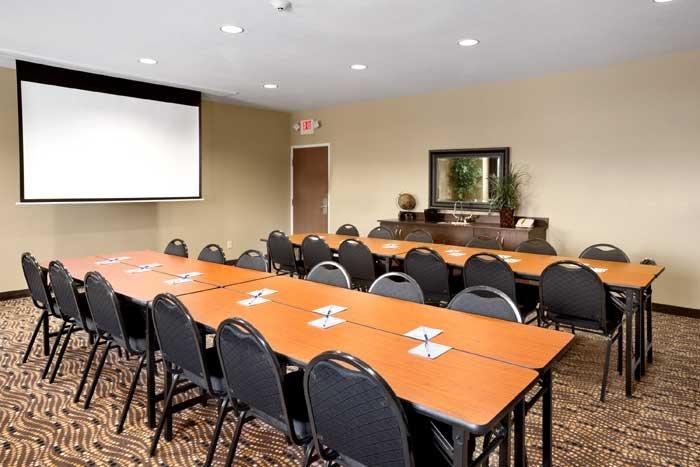 Presidential Inn & Suites: 623 Phoenix Ct, Aztec, NM