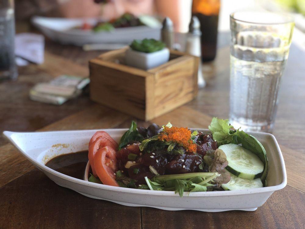 Hiro's Ohana Grill: 1300 Kamehameha V Hwy, Kaunakakai, HI