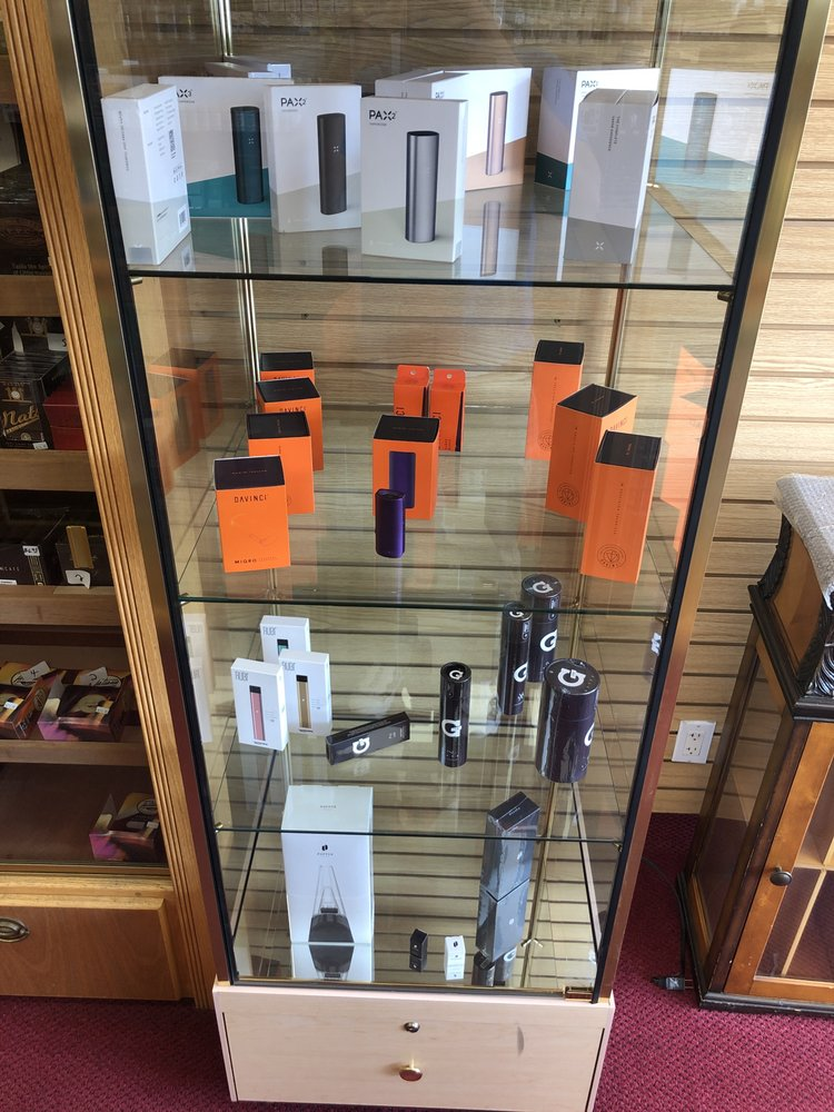 Mohegan Vape & Cigar: 1255 E Putnam Ave, Greenwich, CT