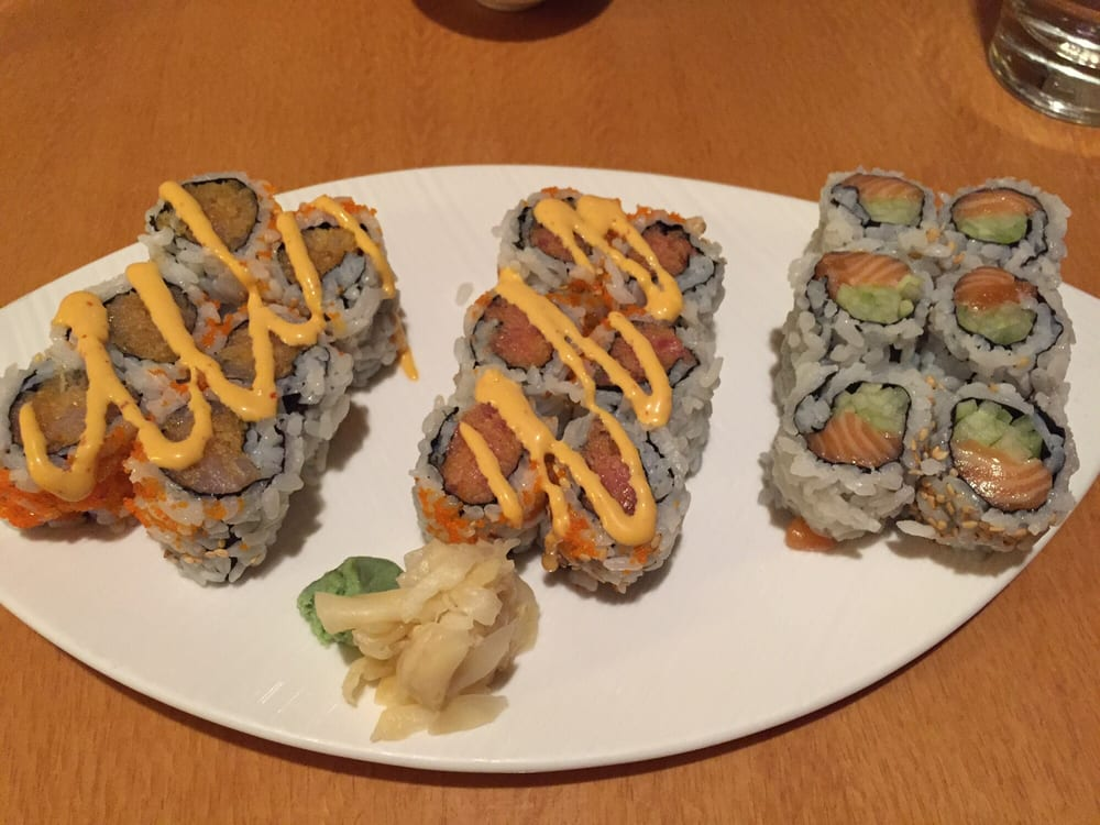 Maki combo 14 choice of 3 rolls spicy yellowtail for Yellowtail fish sushi