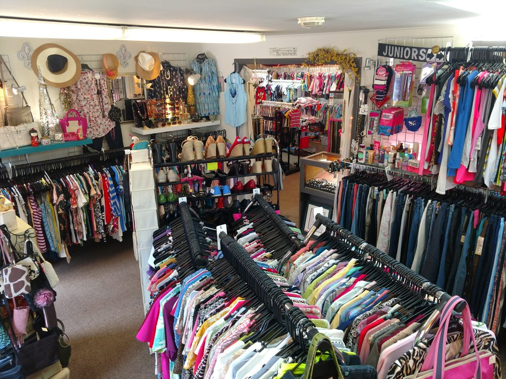 Family Consignment Shop: 1746 E Chocolate Ave, Hershey, PA