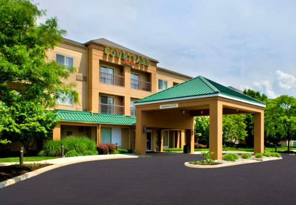 Courtyard by Marriott Allentown Bethlehem/Lehigh Valley Airport: 2160 Motel Drive, Bethlehem, PA
