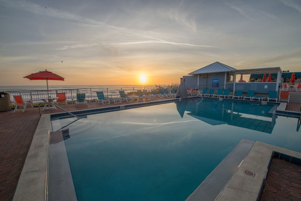 Coconut Palms Beach Resort II - Slideshow Image 1
