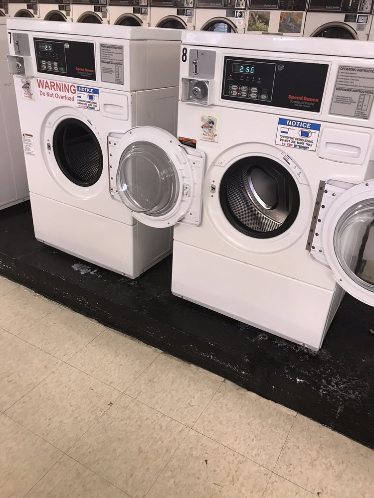 Holiday Laundromat: 3621 27th St, Moline, IL
