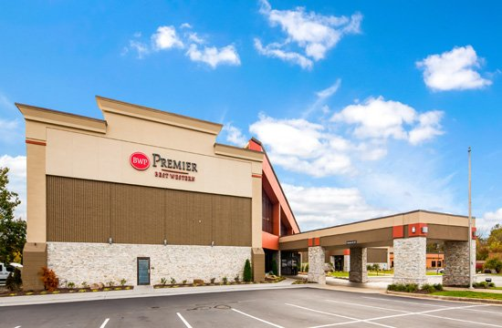Best Western Premier Alton-St. Louis Area Hotel: 3559 College Ave, Alton, IL