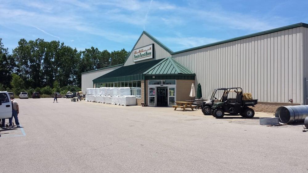 Family Farm & Home: 1391 Cinema Way, Benton Harbor, MI
