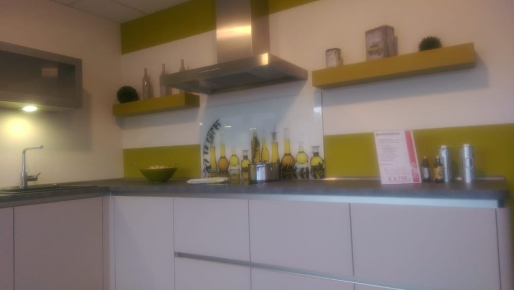 meyer k chen keuken en badkamer l becker str 101. Black Bedroom Furniture Sets. Home Design Ideas