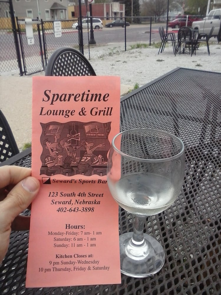 Spare Time Lounge: 123 S 4th St, Seward, NE