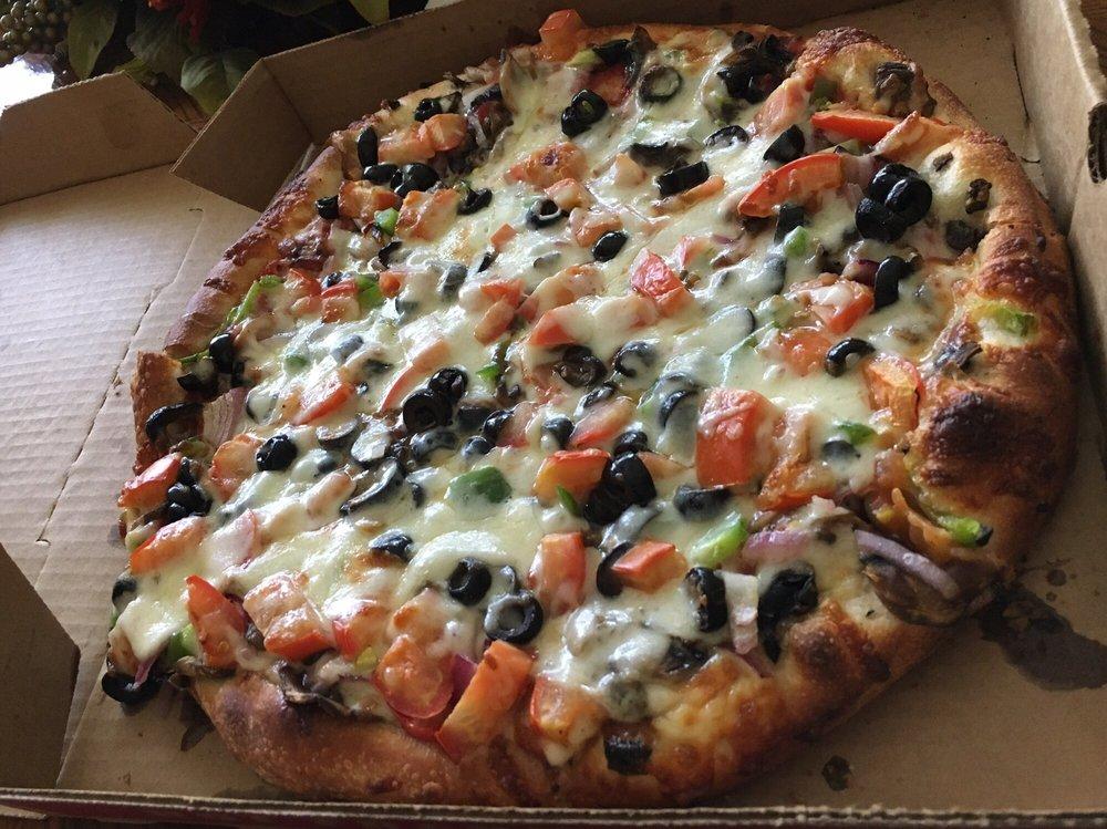 New York Pizzeria: 546 Myrtlewood Dr, Calimesa, CA