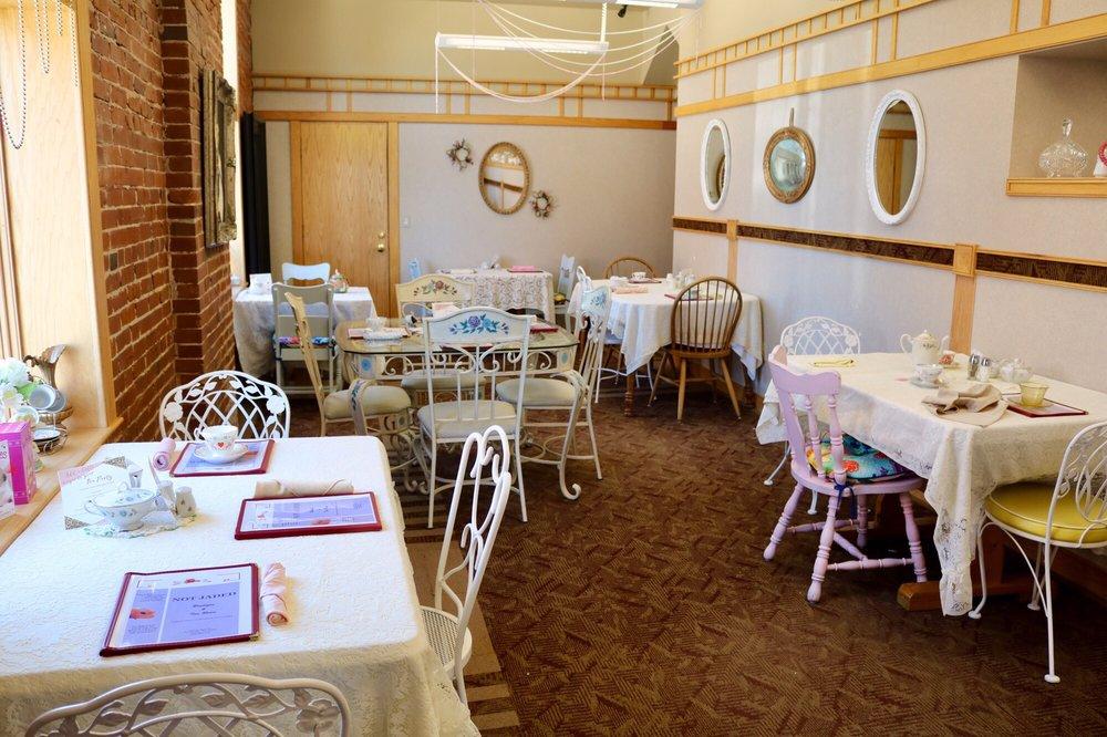 Not Jaded Boutique & Tea Room: 2 West Main St, Wentzville, MO