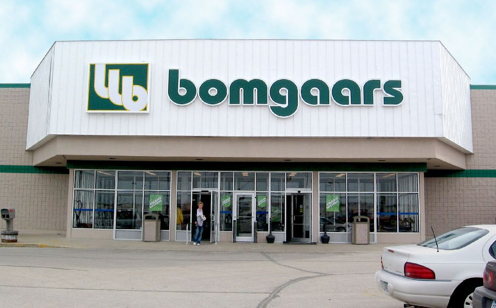Bomgaars Supply: 900 11th St SW, Spencer, IA