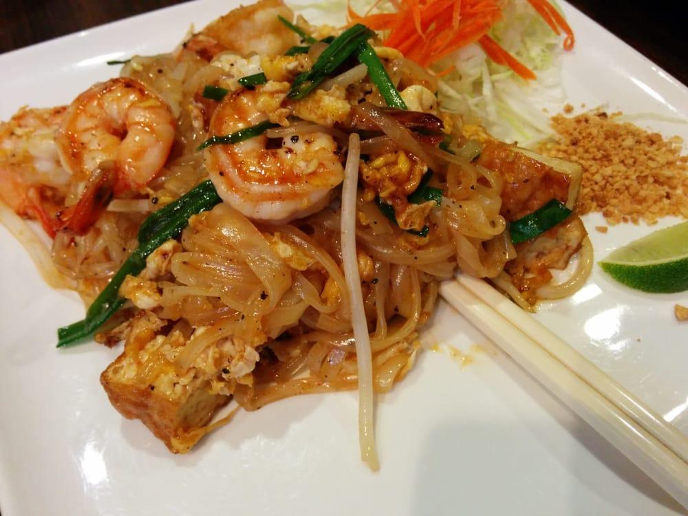Classic pad thai with prawns - Yelp