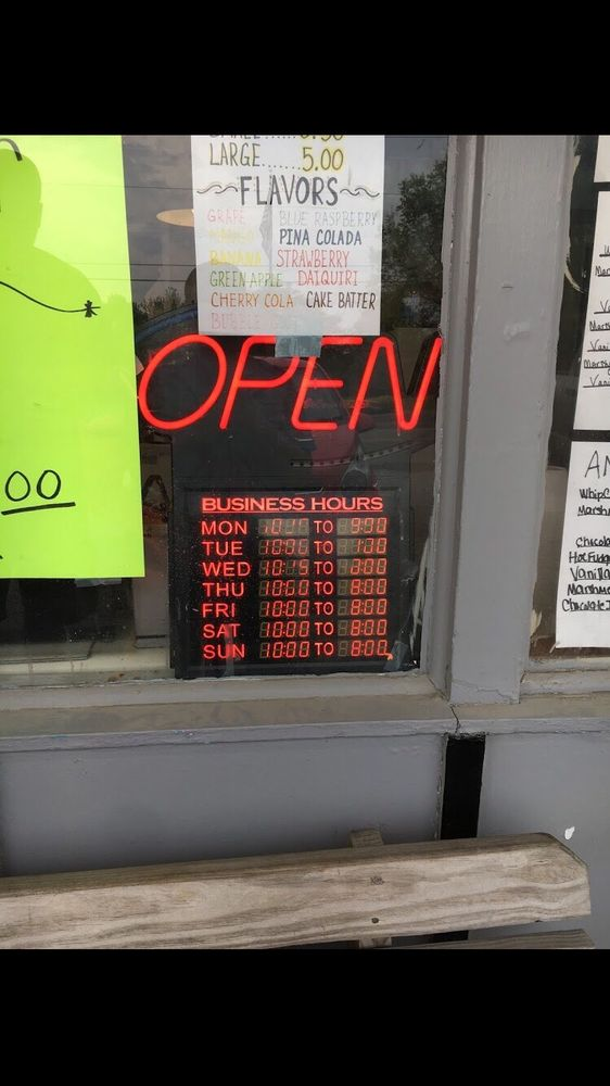 Ice Cream Island: 812 E Market St, Cadiz, OH