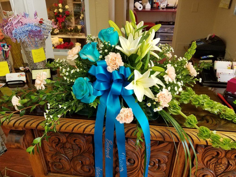 The Little Flower Shop: 1004 Douglas Ave, Las Vegas, NM