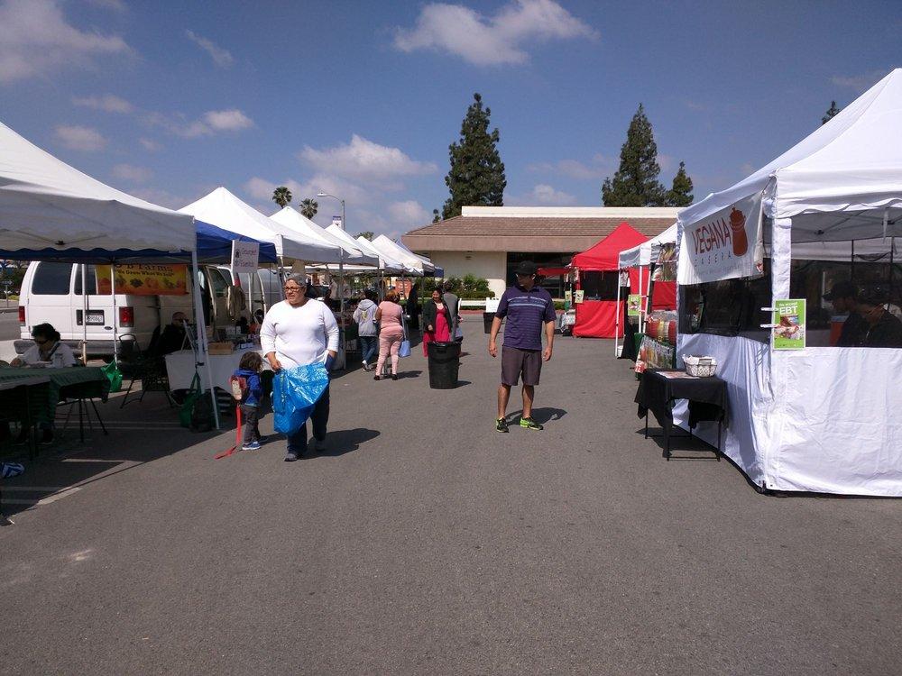 Fontana Farmers' Market: 8491 Sierra Ave, Fontana, CA