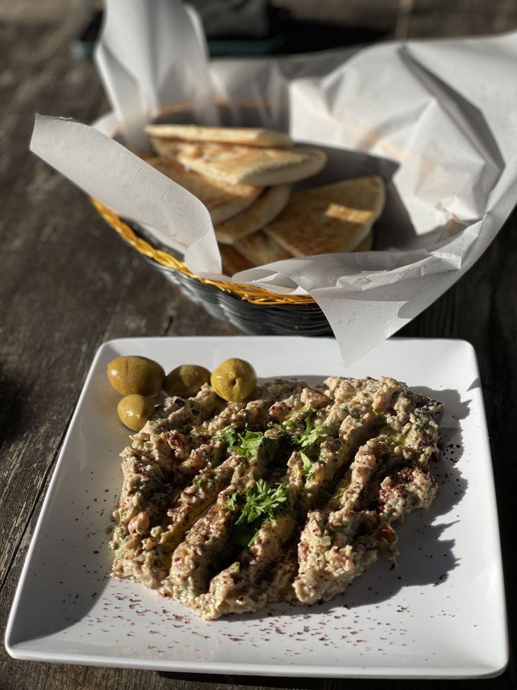 Olea Mediterranean Kitchen: 674 W Corbett Ave, Swansboro, NC