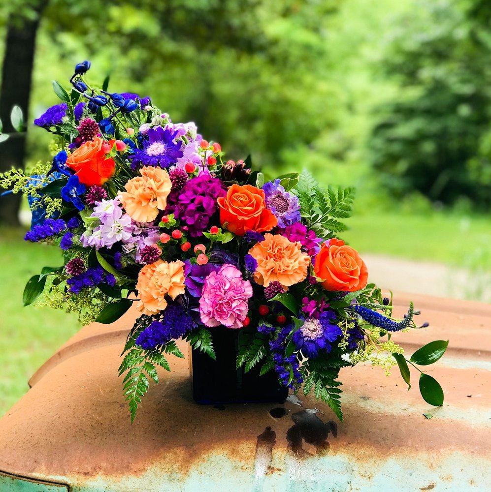 Rockin Roses: 260 Marler Ln, Gassville, AR