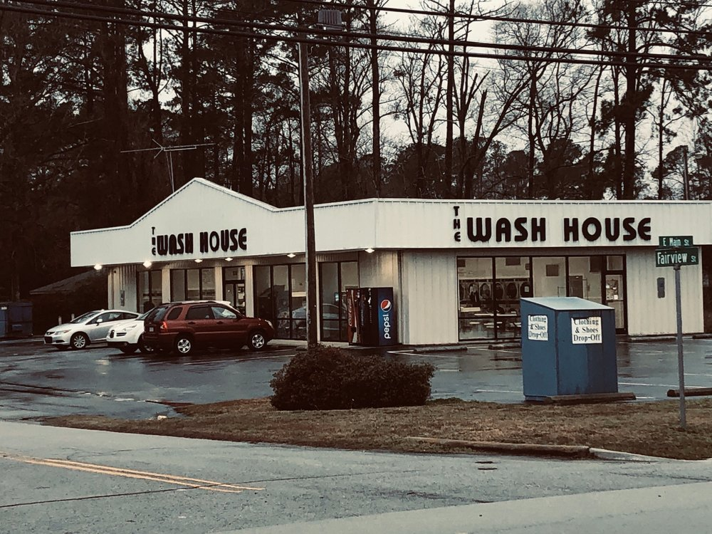 The Wash House: 100 Fairview St, Havelock, NC
