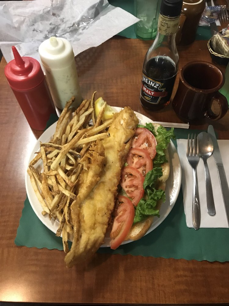 Monty's Mosquito Lake Carry Out: 1241 Greenville Rd, Cortland, OH