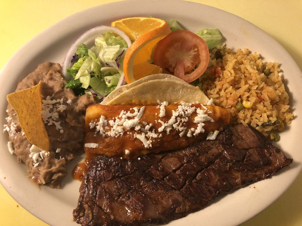 El Portal Mexican Restaurant: 207 County Road 173, Melrose, MN