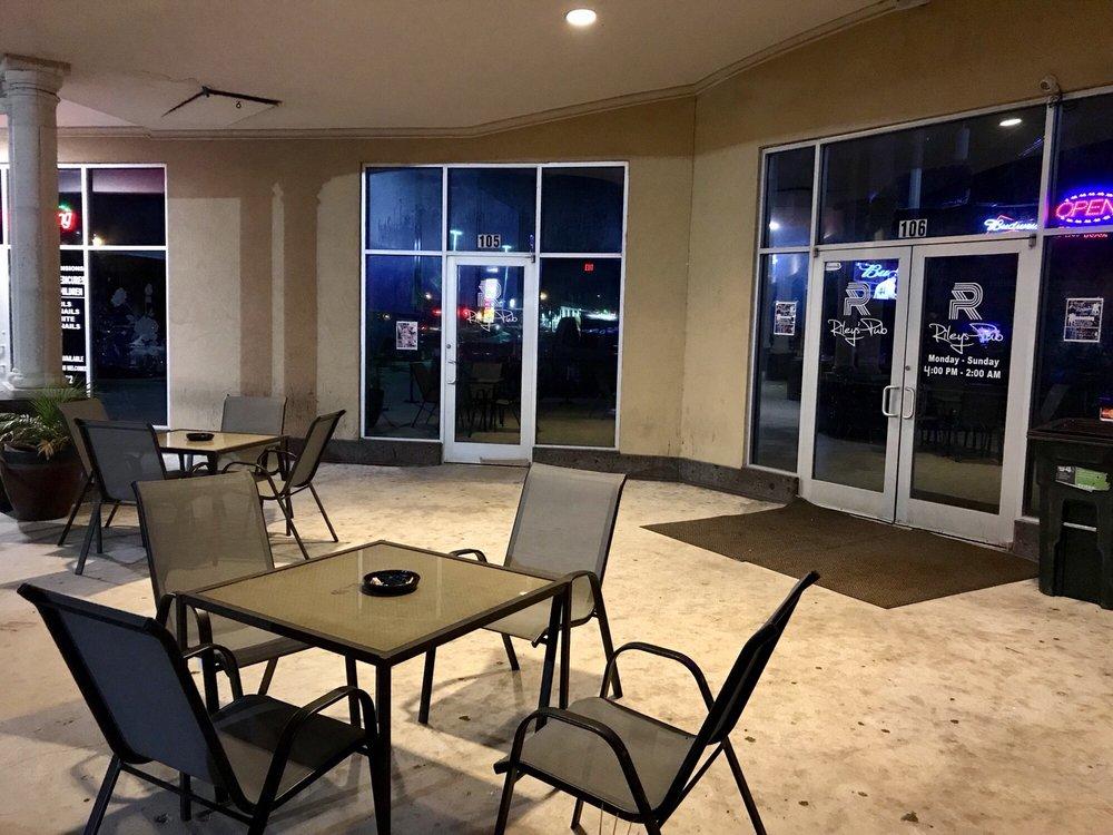 Riley's Pub: 6314 Yorktown Blvd, Corpus Christi, TX