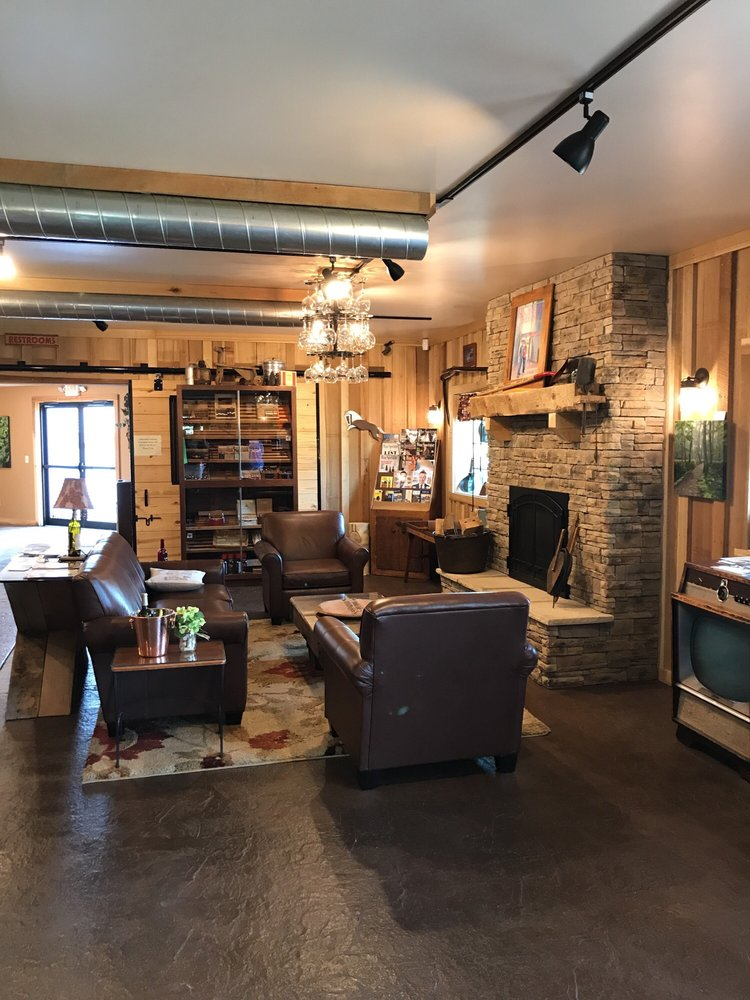 Patoka Lake Winery: 2900 N Dillard Rd, Birdseye, IN