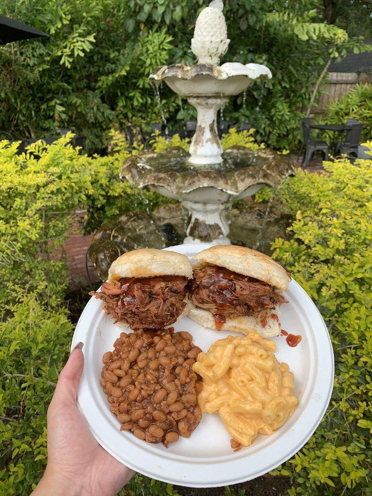 Whaley's Blazin BBQ: 18213 N US Highway 41, Lutz, FL