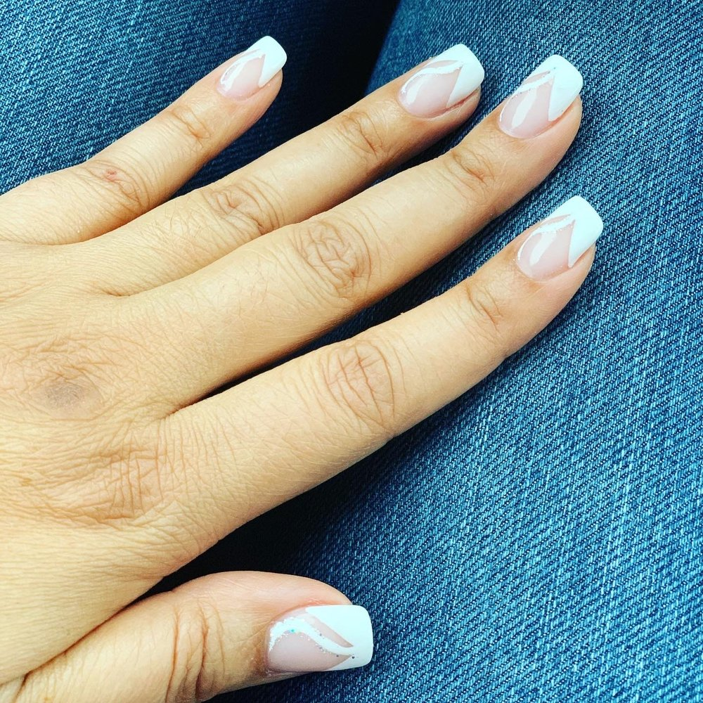 Unique Nail & Spa: 7 N Windsor Ave, Brightwaters, NY