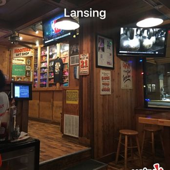 Hooters Restaurant Lansing Il