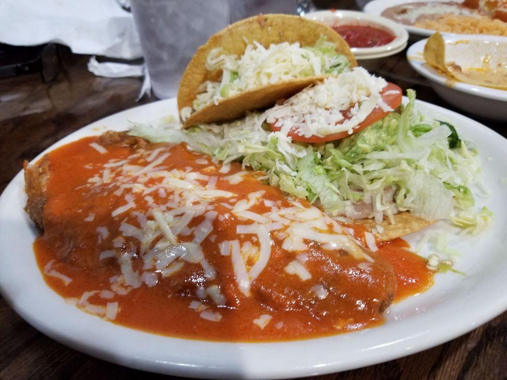 La Finca Mexican Grill: 18 Oak Rdg, Eufaula, OK