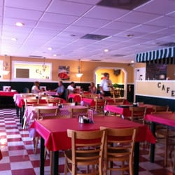 Photo Of Yates Southern Cafe Madisonville Tn United States The Dining Room