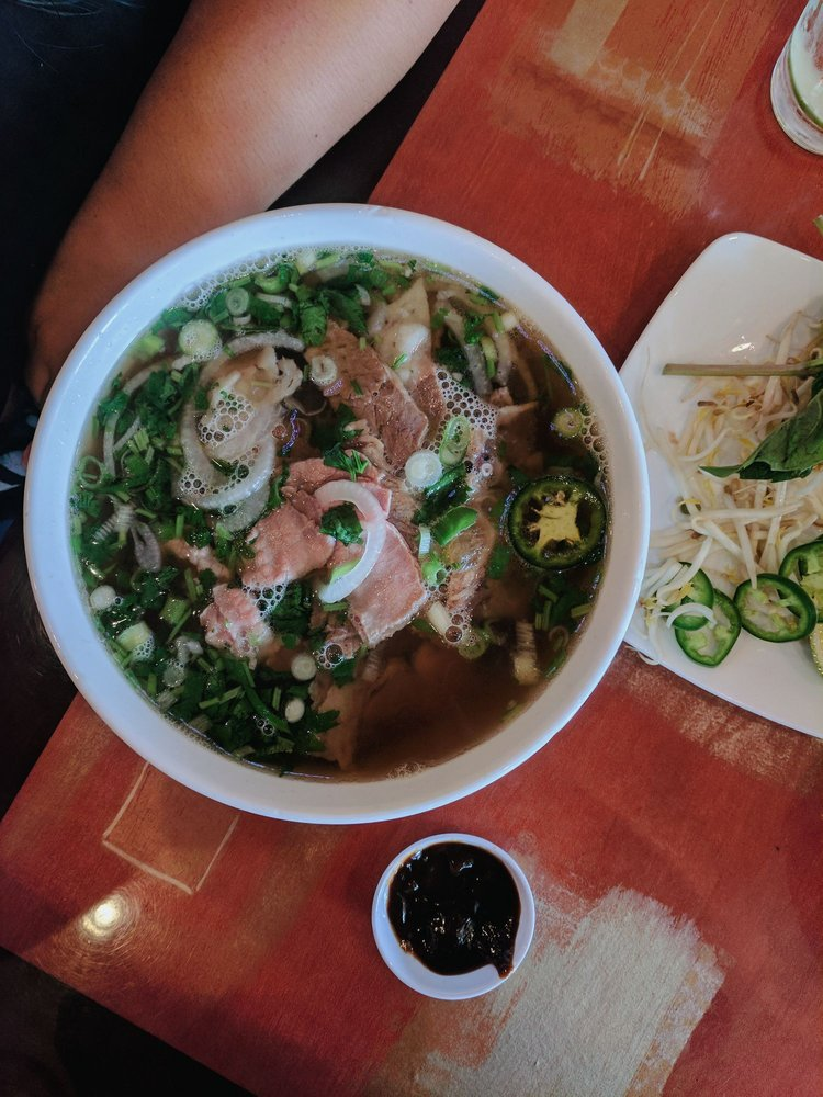 The Pho: 44110 Ashburn Shopping Plz, Ashburn, VA