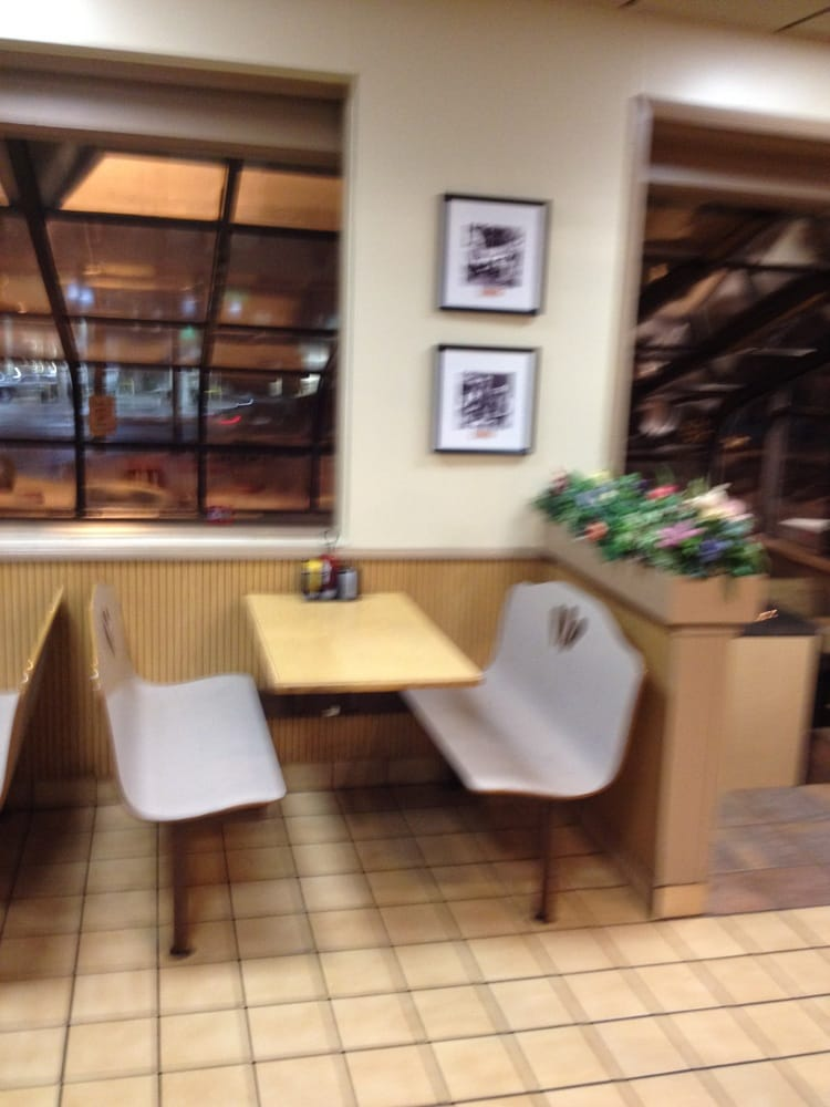 Dairy Queen Grill & Chill: 300 N Section Ave, Spring Valley, MN