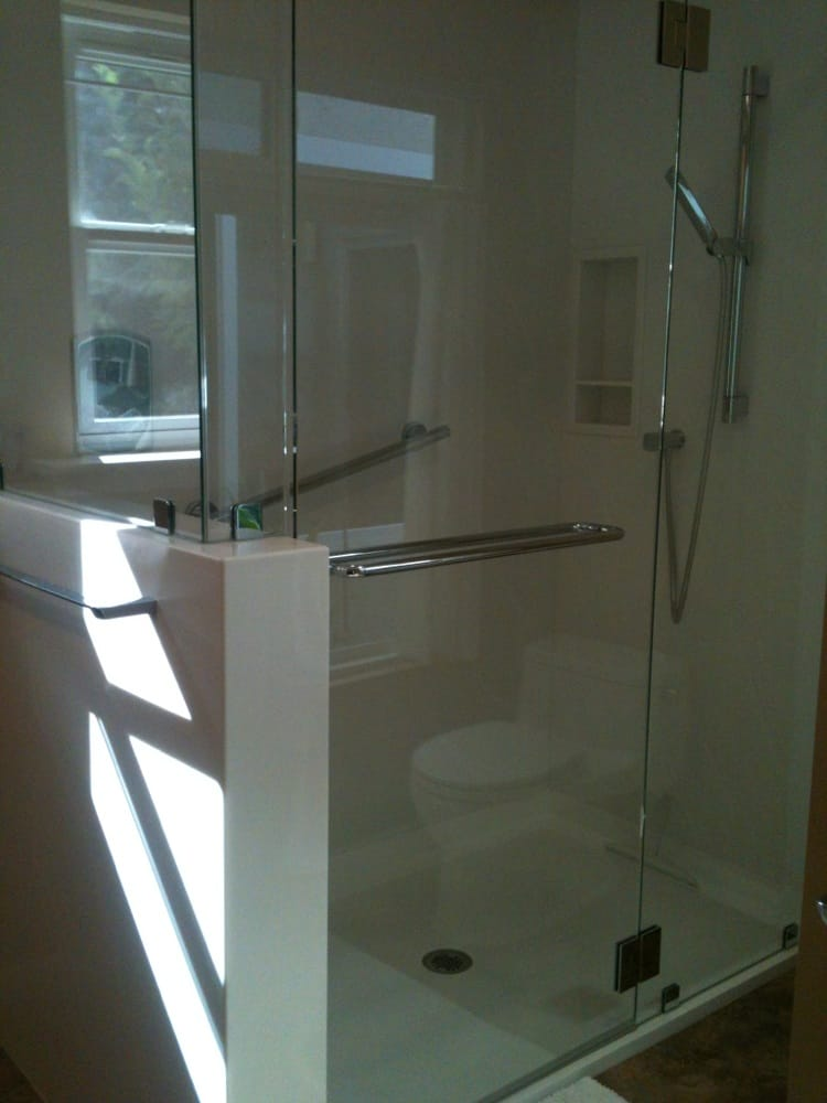 Shower Walls Amp Encased Pony Wall In Corian Quot Venaro White