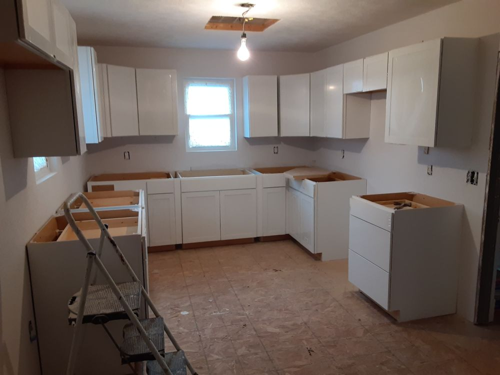 B&B Drywall and Construction: 217 W Hickory St, Cobden, IL