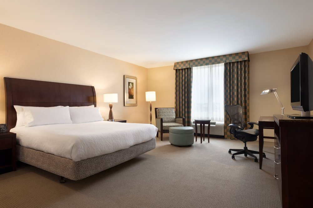 Hilton Garden Inn - Dulles North: 22400 Flagstaff Plz, Ashburn, VA