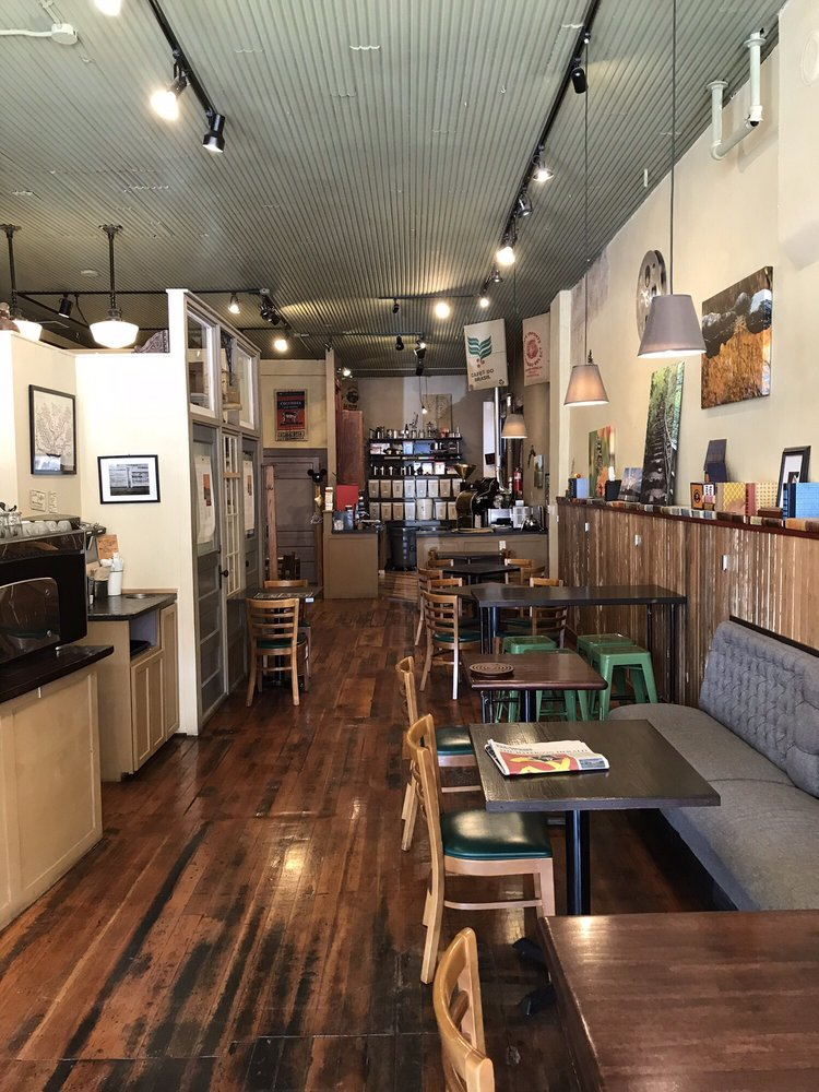 Greene Bean Coffee: 202 N Wilson St, Jefferson, IA