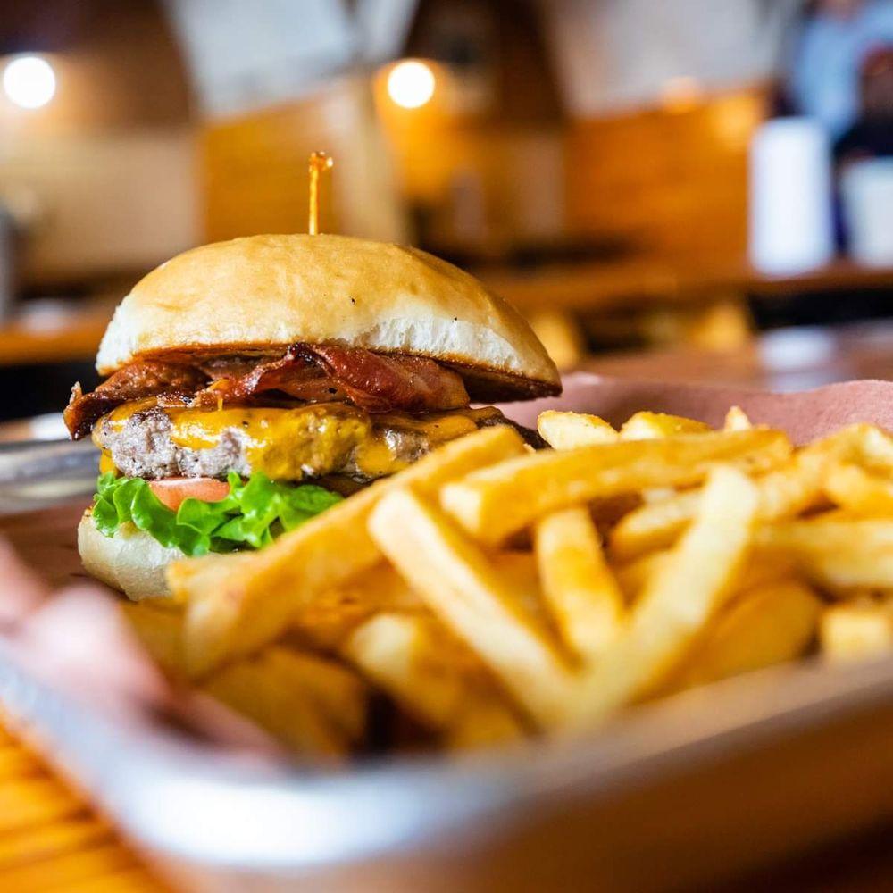 Chuckwagon BBQ & Burgers: 4031 Fm 1463, Katy, TX