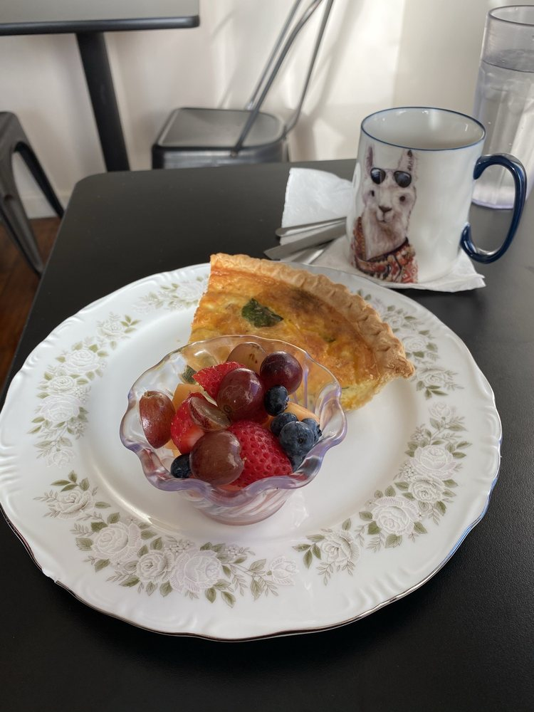 Tam's Sweet & Savory Café: 6427 Oaklandon Rd, Indianapolis, IN