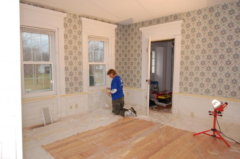 Off the Wall Wallpaper Removal: 26646 Lake Of The Falls Blvd, Olmsted Falls, OH