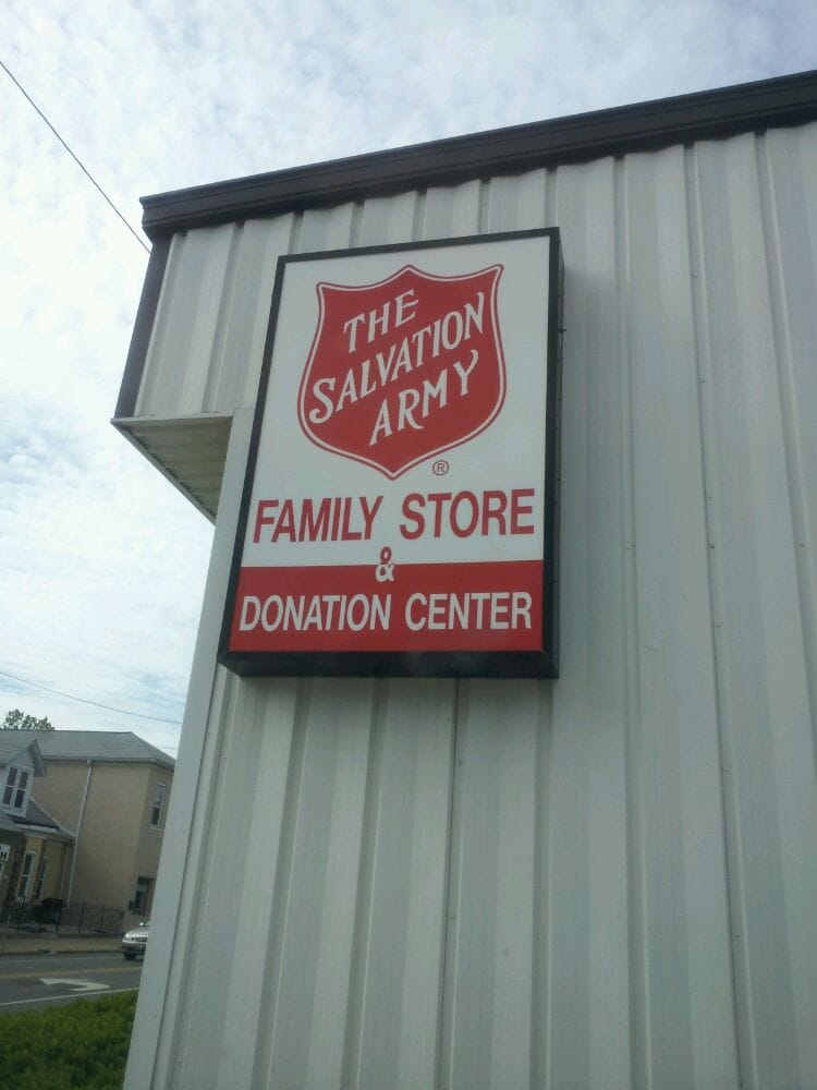 photos for the salvation army family store donation center yelp. Black Bedroom Furniture Sets. Home Design Ideas