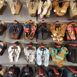 Guess Citadel Outlet Accessory Store - 10 Photos - Shoe