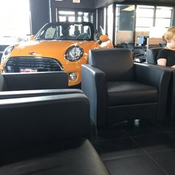 Mini Of Montgomery County 14 Photos 84 Reviews Car Dealers