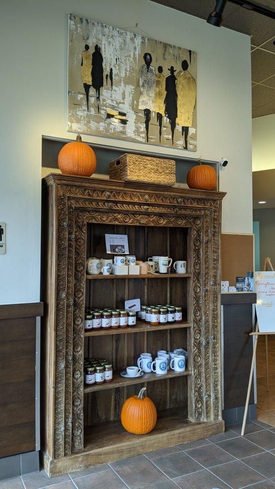 Parbuckles Coffee: 934 Busse Rd, Elk Grove Village, IL