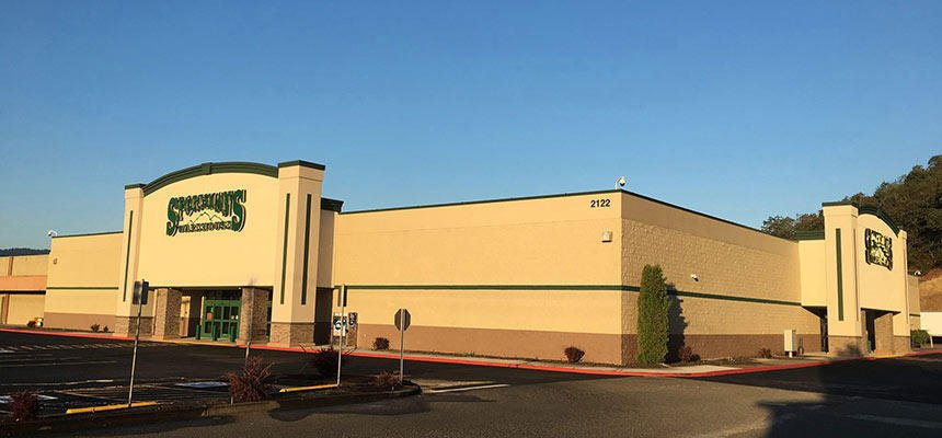 Sportsman's Warehouse: 2122 NW Stewart Pkwy, Roseburg, OR