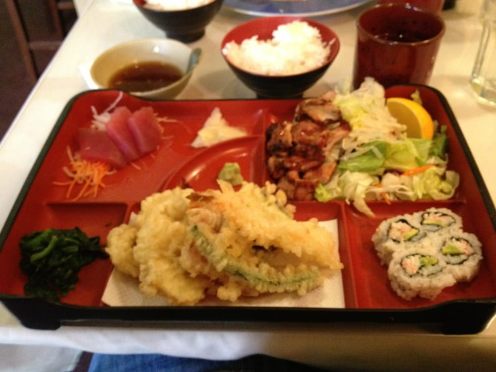 deluxe lunch bento yelp. Black Bedroom Furniture Sets. Home Design Ideas